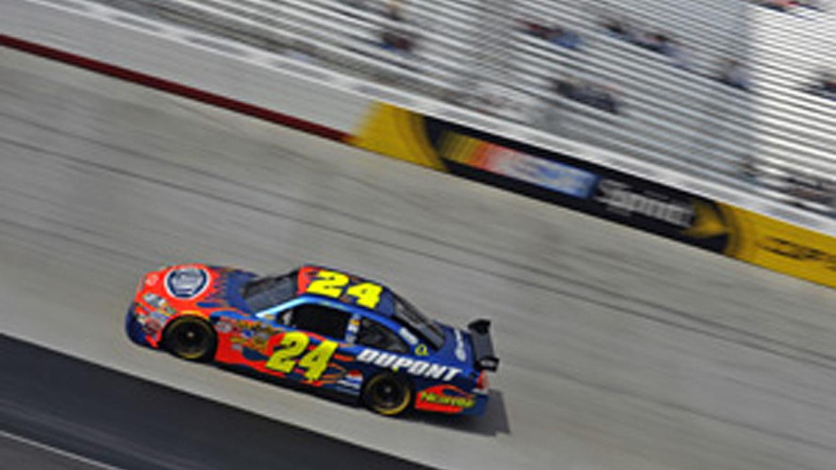 Gordon holding steady heading into Michigan race