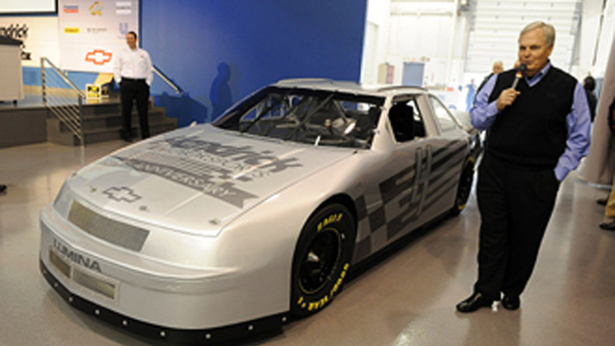 Hendrick presented with first chassis 'Dusty'