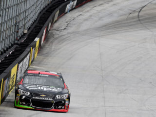 Kahne, Earnhardt to start in top 13 at Bristol&#x3B; Gordon, Johnson outside top 20
