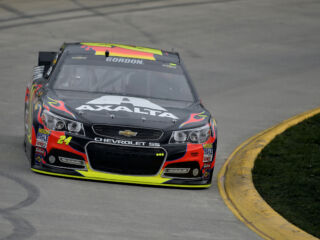 Race Recap: Gordon perseveres to finish ninth at Martinsville
