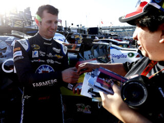 This Thanksgiving, Kahne thankful for the fans