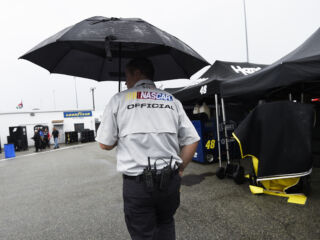 Weather affects Richmond qualifying&#x3B; Johnson to lead teammates to green