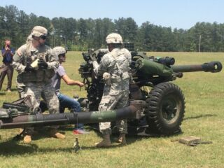 Kahne takes on 'impressive' machinery at Fort Bragg