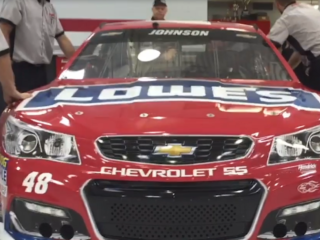 Johnson thanks Lowe's employees with a special Red Vest paint scheme