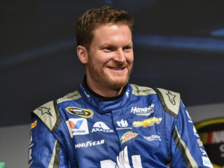 Earnhardt stays close with No. 88 team throughout offseason