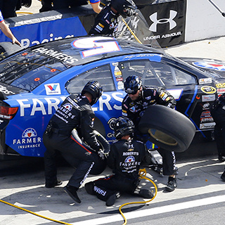 No. 5 Chevrolet SS Pit Crew