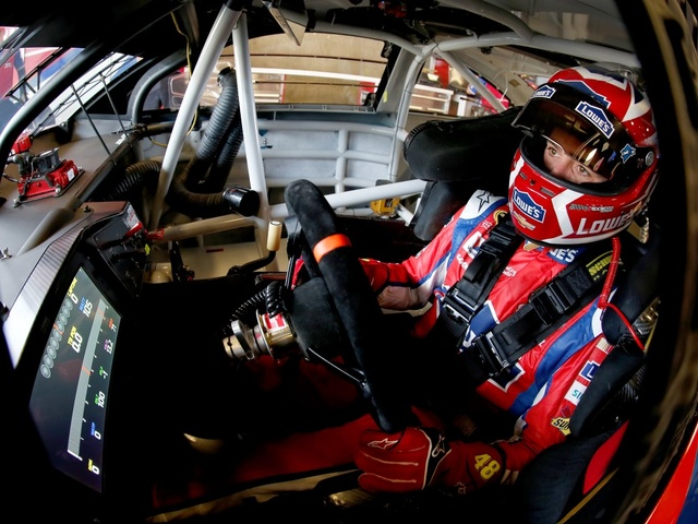 Johnson secures berth in 2016 Chase for the NASCAR Sprint Cup