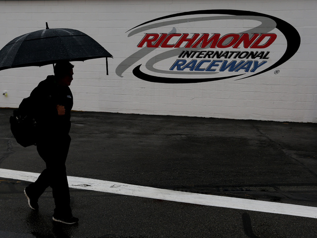 Sprint Cup race at Richmond postponed&#x3B; now 1 p.m. ET Sunday