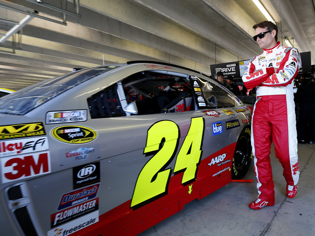 Atlanta Motor Speedway honors Gordon with 'awesome' gift for his son
