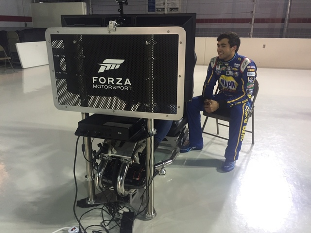 Forza track tips: Elliott, Johnson coach you on Daytona