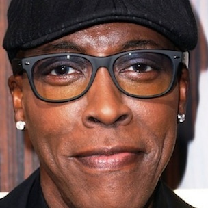 Who is Arsenio Hall dating?