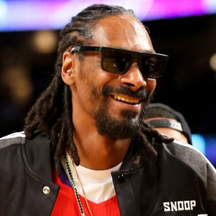 Snoop Dogg Blasts NFL Over Courts Decision To Overturn Tom Brady's 4-Game Suspension