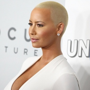 Amber rose criticizes kanye west for behaving like a clown hiphopdx
