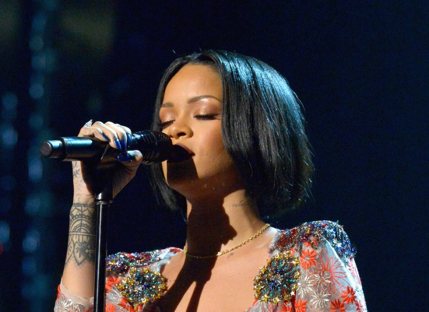 "Rihanna Garners 14th #1 Song With ""Work"" 