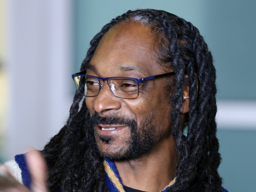 snoop dogg announces plan to save roscoes house of