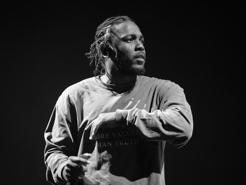 #FomoBlog: Kendrick Lamar Brings Out Isaiah Rashad At FYF ...