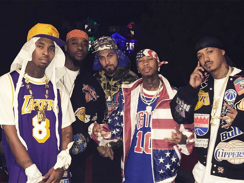 2016 Hip Hop Halloween Costumes From Tyga, Snoop Dogg, Freddie ...