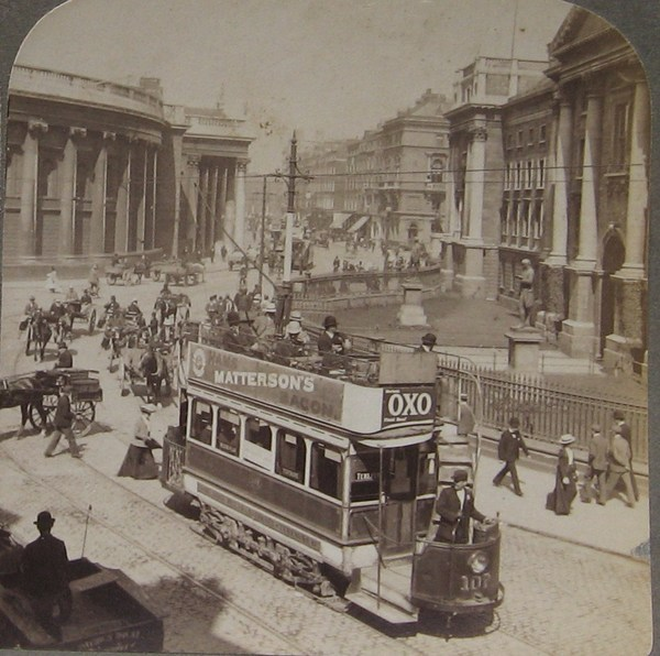 Trinity College dublin and the bank of Ireland in the 1900s