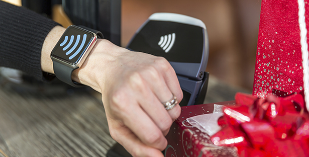 how-wearables-are-reshaping-the-shopping-experience