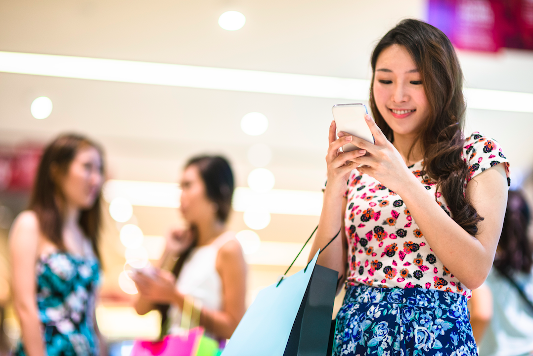 Shopping+on+social+media