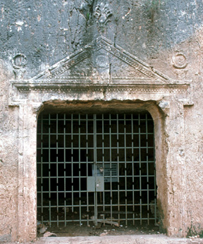 Tomb of Grapes