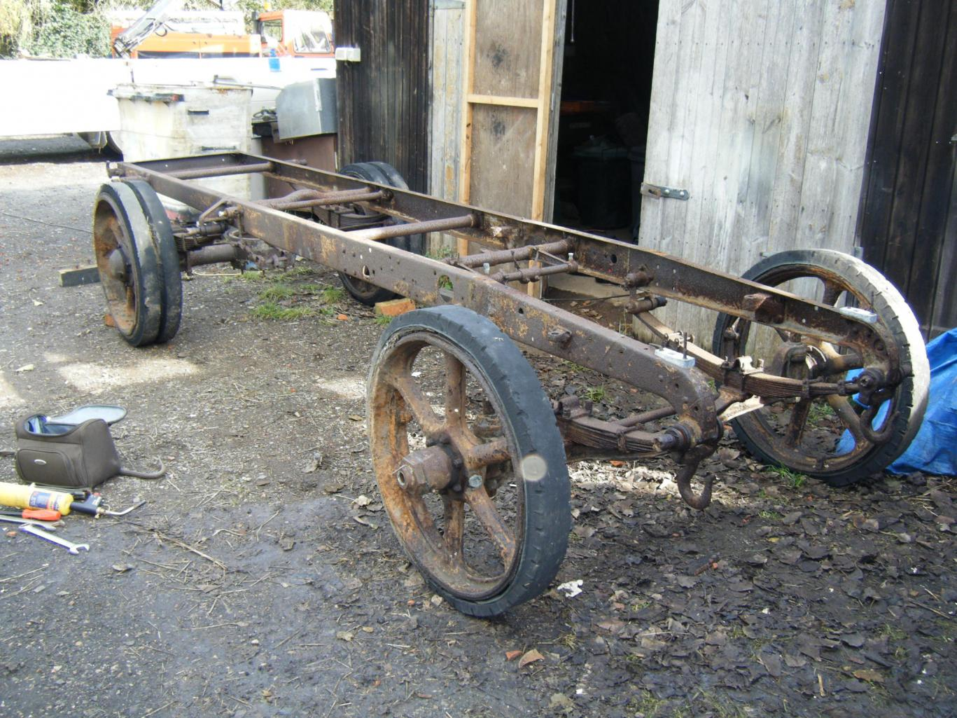 Overall view of chassis, FOS wood removed.jpg