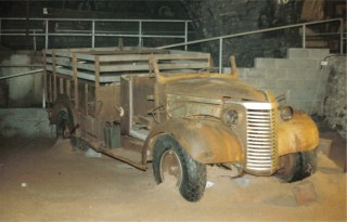 LRDG in Cavern 3.jpg