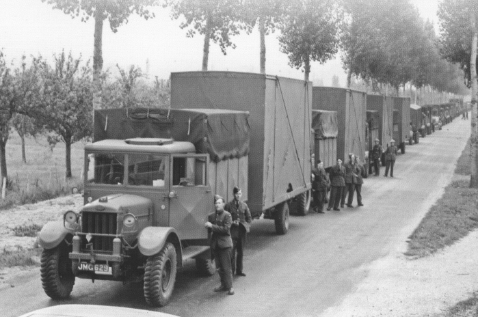 Crossley%20IGL%20lorries%20in%20France%201940%20sized.jpg