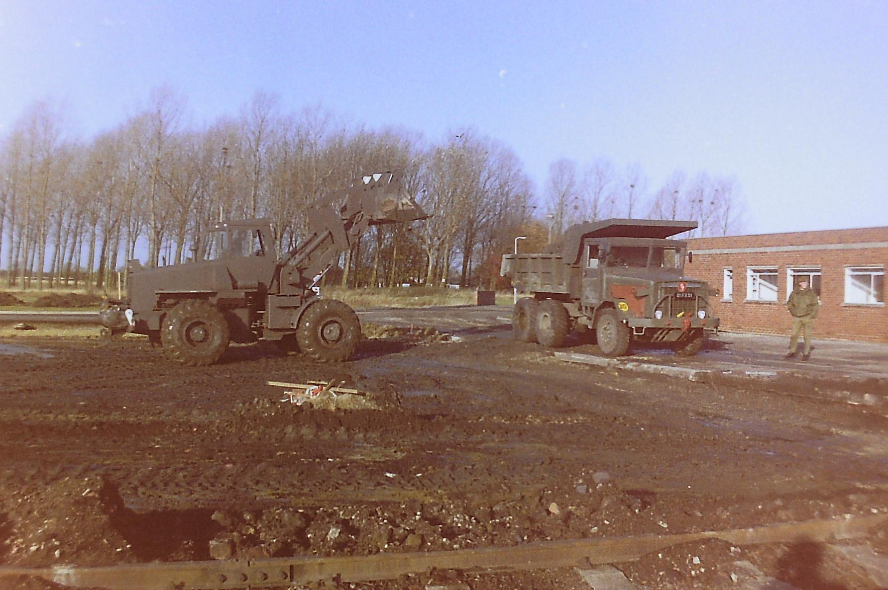 Allis Chalmers Loading Barford.jpg