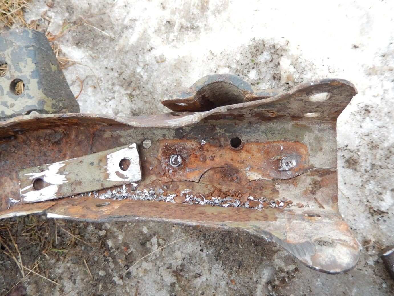 rear leaf spring bracket.jpg