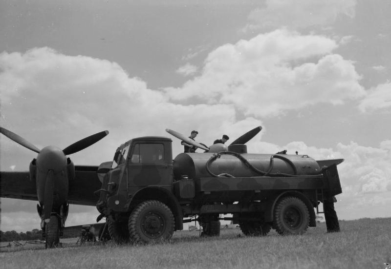 Bedford QL and Mosquito.jpg