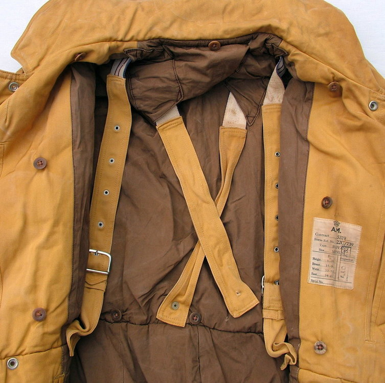 raf-taylor-buoyancy-flying-suit_15800_pic5_size3.jpg