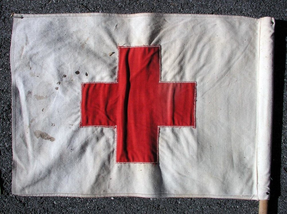 2-Vintage-American-Red-Cross-Vehicle-Cloth-Flags-_57 (2).jpg
