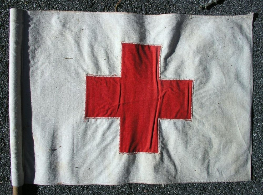 2-Vintage-American-Red-Cross-Vehicle-Cloth-Flags-_57 (1).jpg
