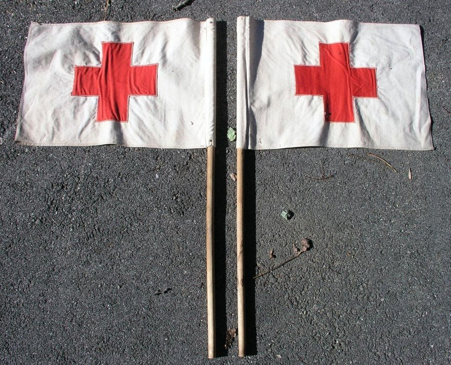 2-Vintage-American-Red-Cross-Vehicle-Cloth-Flags-_57.jpg