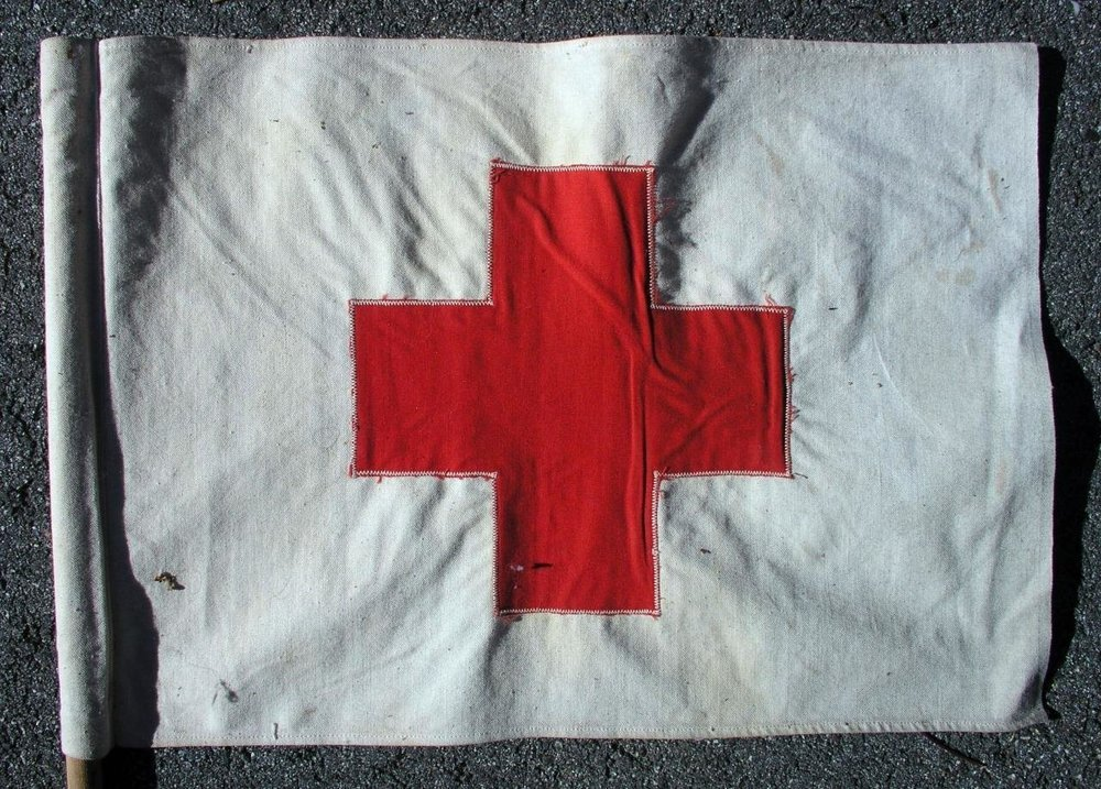 2-Vintage-American-Red-Cross-Vehicle-Cloth-Flags-_57 (3).jpg