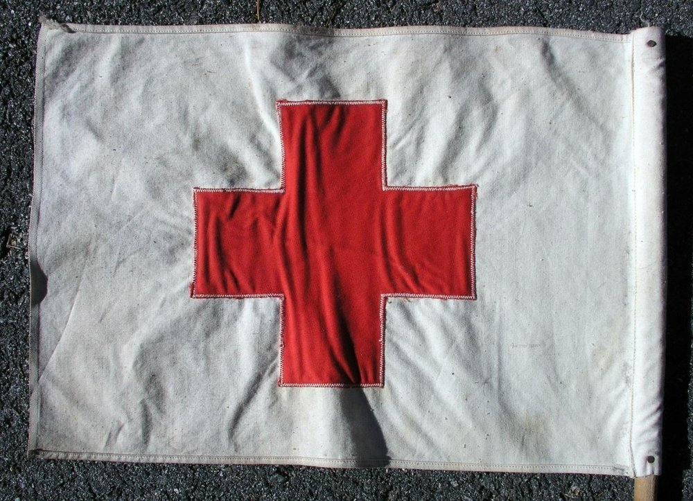 2-Vintage-American-Red-Cross-Vehicle-Cloth-Flags-_57 (4).jpg