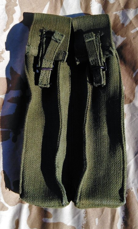 SMG ammo pouch front.jpg