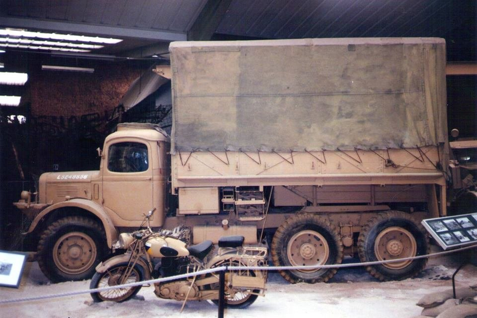 K6 gantry recovery when based at the army transport museum in Beverley..jpg