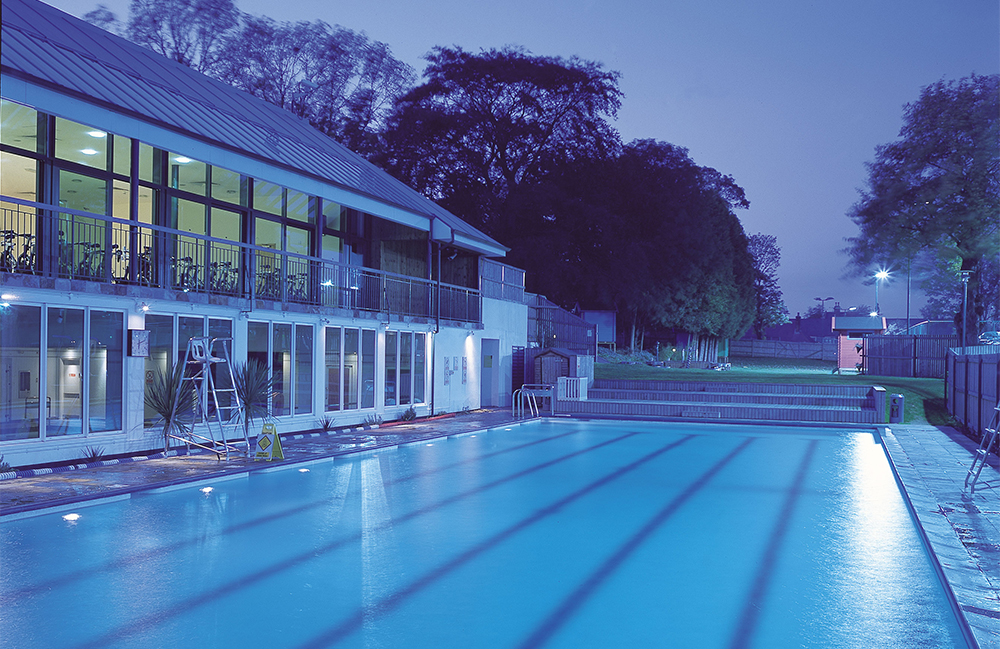 Swimming In Acton Chiswick Indoor Outdoor Pools Family Health Fitness Club The Park Club