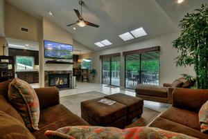 3099 edgewater drive austin tx large 011 living room 1490x1000 72dpi