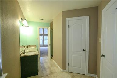 5118 Bridle Path Lane Photo #27