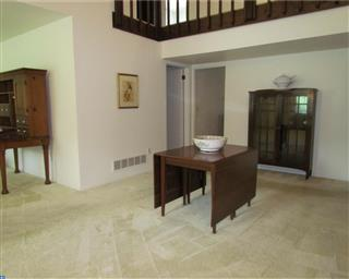 9 N Turnberry Drive Photo #8