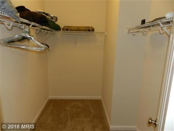 211 MEADOW AVE Photo #16