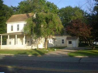 714 E Division Street Photo #2