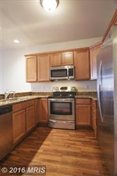 103 IRVING AVE N #201 Photo #3