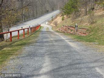 1472 Briary Gap Road Photo #6