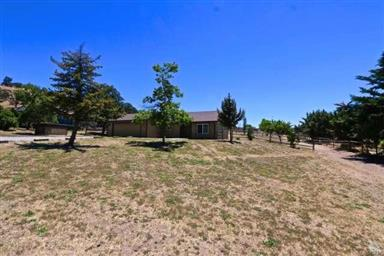 23420 Meadow View Court Photo #3