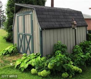 1427 Magnolia Court Photo #3