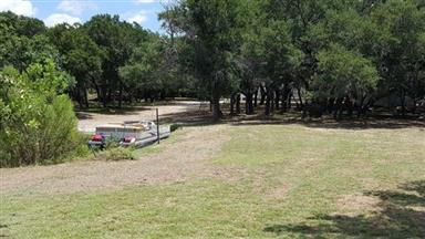 330 Bluebonnet Lane Photo #25
